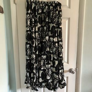 Dresses & Skirts - Boutique Gorgeous Maxi Skirt